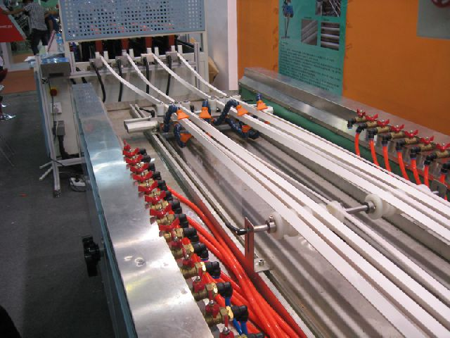 Экструзионная линия для производства ПВХ (PVC) профиля.